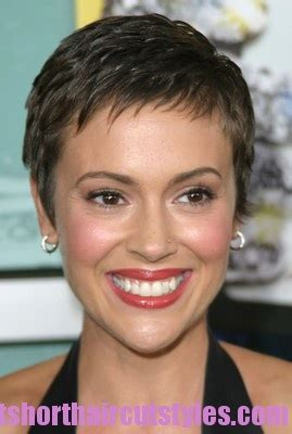 alyssa milano hairline number 1 hair pinterest number short pixie and pixies