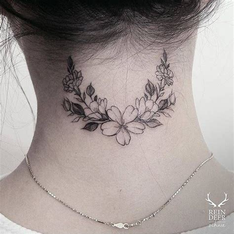 tattoo back little 25 best ideas about flower back tattoos on pinterest