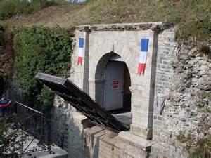 un pont levis 224 1 2 million pour melun non merci