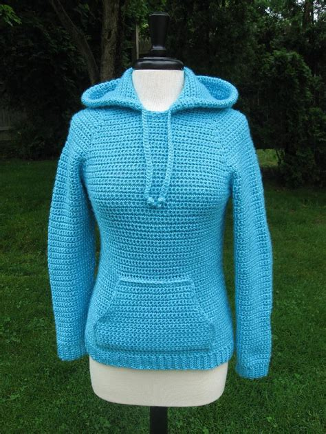 pattern for hoodies ever in style raglan hooded pocket pullover crochet