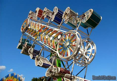 theme park rides w t carny ride 3 zipper the dod3