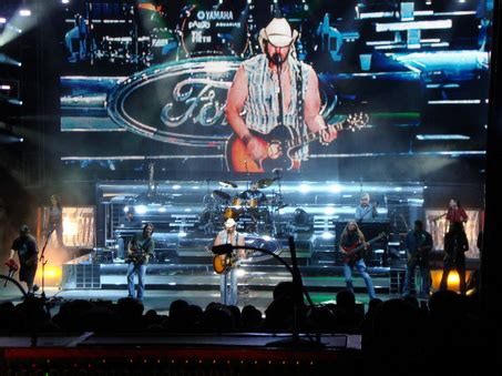 toby keith ford truck man 301 moved permanently