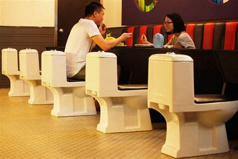 bathroom themed restaurant dining at a toilet themed restaurant in china 10 pics