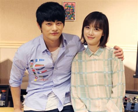 Possible Collaboration Between Goo Hye Sun And Seo In Guk | sns pic seo in guk takes a friendly photo with goo hye