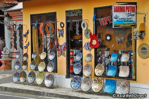 Handcraft Shop - tegallalang handicraft centre in bali ubud shopping