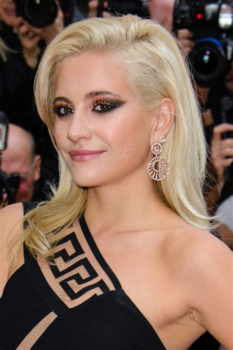 Pixie Lott Hairstyles by Pixie Lott Platinum Side Part Hairstyle
