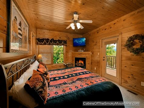 10 bedroom cabins in gatlinburg gatlinburg cabin amazing views 2 bedroom sleeps 10