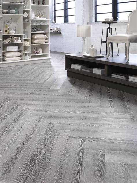 pattern lvt mohawk group unveils refreshed resilient product line at