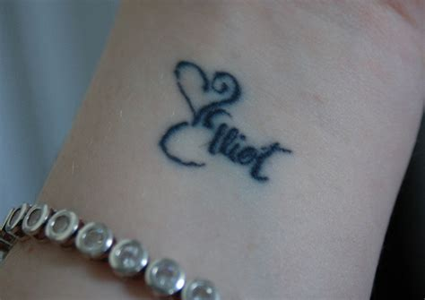 tattoo names on wrist for a girl stylish wrist tattoos ideas for girls