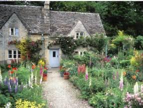 best cottages in uk 絵に描いたように美しい英国式庭園 イングリッシュガーデン の世界 世界旅行通信クリオシータ