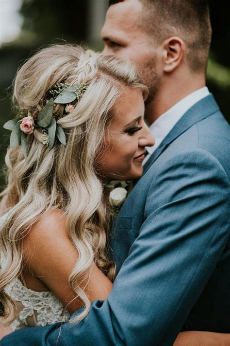 Wedding Hair With Flower Crown by 18 Gorgeous Wedding Hairstyles With Flower Crown Oh Best