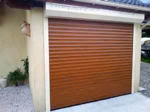 porte de garage enroulable sur mesure solabaie