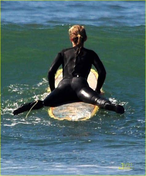 helen hunt surfing helen hunt surfing gallery