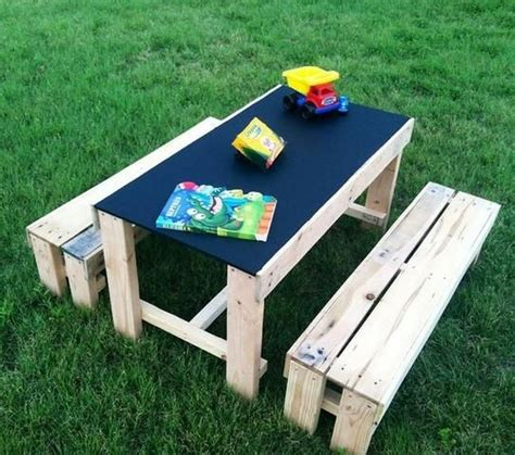kids outdoor table and bench best 20 pallet kids ideas on pinterest