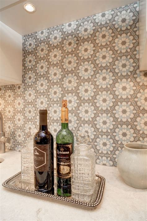 hexagon tile kitchen backsplash 394 best images about counter tops and backsplashes on