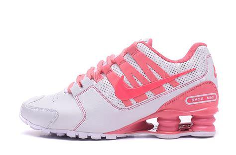 nike shox tennis shoes nike shox nz shox avenue white pink s