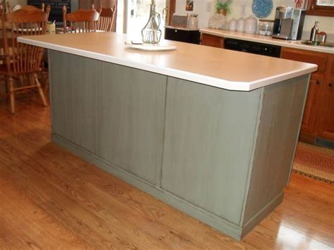 painted kitchen island with annie sloan chalk paint white painting my kitchen island with annie sloan chalk paint