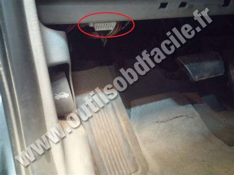 on board diagnostic system 2007 chrysler pt cruiser spare parts catalogs obd2 connector location in chrysler pt cruiser 2000 2010 outils obd facile