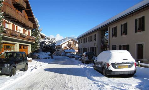 Meribel Appartments by 3 Bedroom Apartments Les Allues