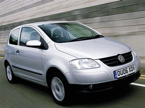 volkswagen fox 2006 volkswagen fox hatchback review 2006 2012 auto express