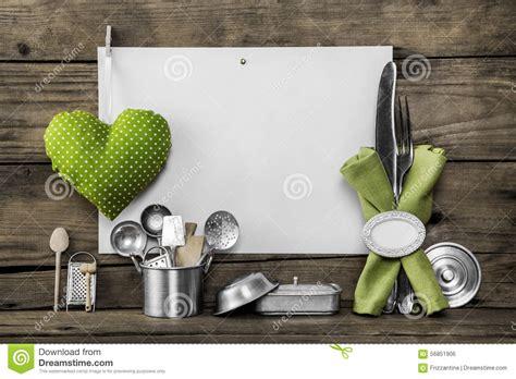vecchi utensili da cucina vecchi utensili da cucina archivio fotografico ricettario