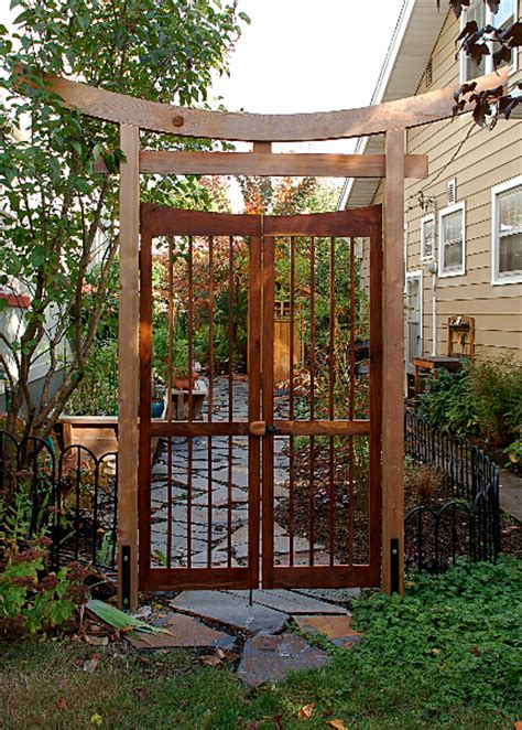 tori gate japanese gardens pinterest gate gates and gardens
