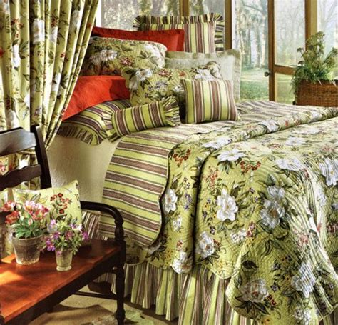 discount quilts and coverlets magnolia quilt and bedspread