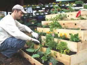 12 savvy small space urban gardening designs amp ideas