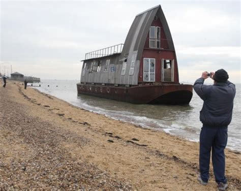 Grand Designs 163 80k Channel 4 Makeover Barge Turns Up On