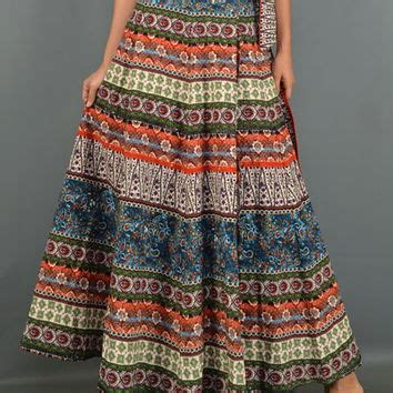 this maxi skirt features an a line cut from