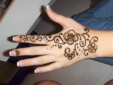 tattoo on hand girl 30 hand tattoos for girls