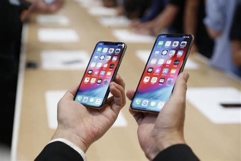 unboxing apple iphone xs and xs max what s your cnbctv18