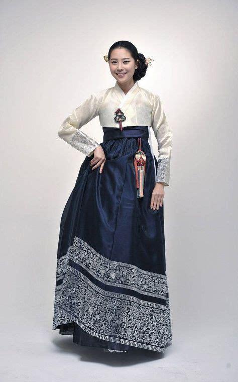 Dress Korea 094 약간 아이보리 저고리 남색 치마 치마가 좀 더 풍성했으면 korean hanbok