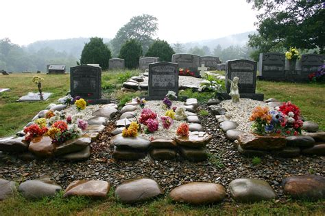 Grave Decorations by Crafts For Decorating Cemetary
