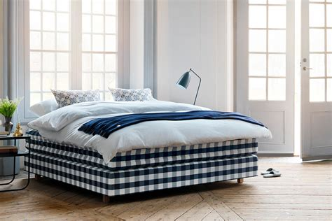 Hastens Bed by Mobles Morat 243 H 228 Stens