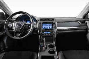 2015 Toyota Interior 2015 Toyota Camry Look Photo Gallery Motor Trend