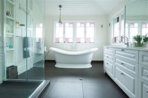 queenslander bathroom evan street refurbishment traditional bathroom