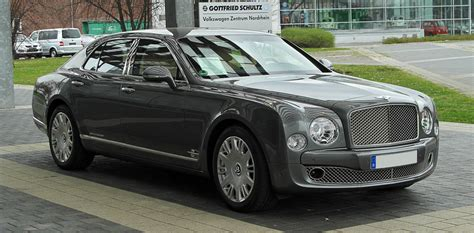 bentley v12 bentley mulsanne vs rolls royce ghost v8 v12 luxury