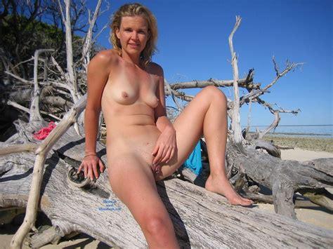 tropical island at funbags