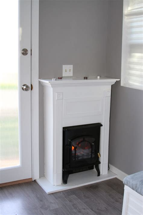 tiny house fireplace korie s tiny home tiny house swoon