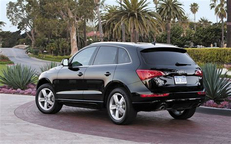 Audi Q5 2010 by 301 Moved Permanently