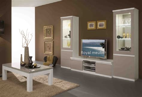 witte gordijnen grijs verven muurverf woonkamer taupe