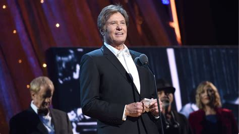 chicago lead rock and roll hall of fame fan voting chicago s robert lamm talks peter cetera absence at rock