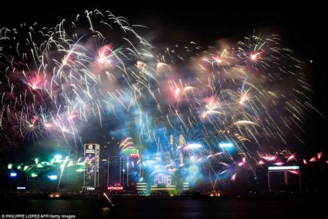 new year hong kong dates 2016 new year s balloons in tokyo after sydney s firework