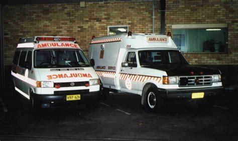 Vw Transporter 2 0 Tdi Ambulance file 1999 volkswagen t4 transporter tdi and 1989 ford f