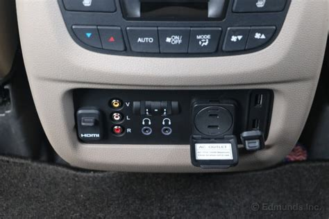 rear entertainment system   tablets  honda pilot long term road test