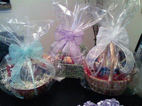baskets ideas bridal shower gift basket ideas for guests pictures