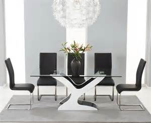 Black Gloss Dining Table And Chairs Portman Black And White High Gloss And Glass Dining Table And Chairs