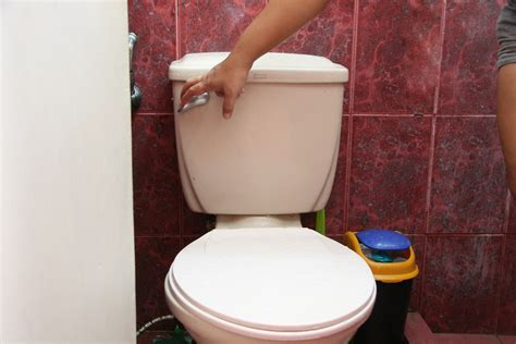 how to install a toilet handle 14 steps with pictures wikihow
