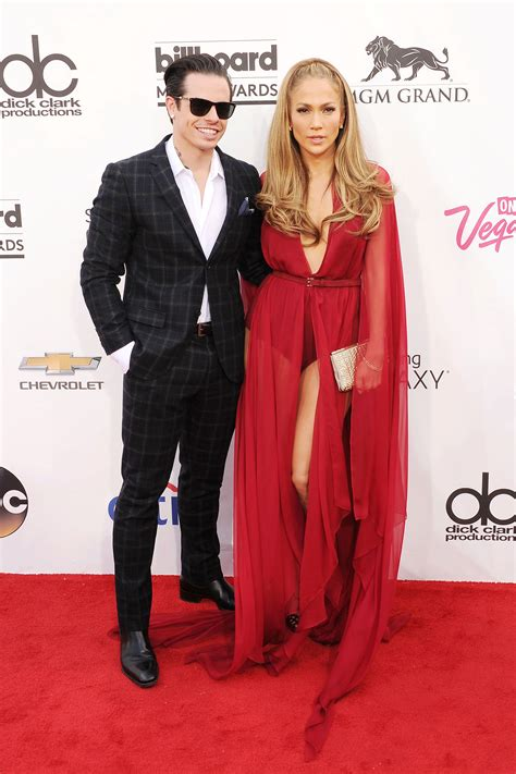 celebrity couples girl older than guy 16 celebrity women who dated younger men celebrities